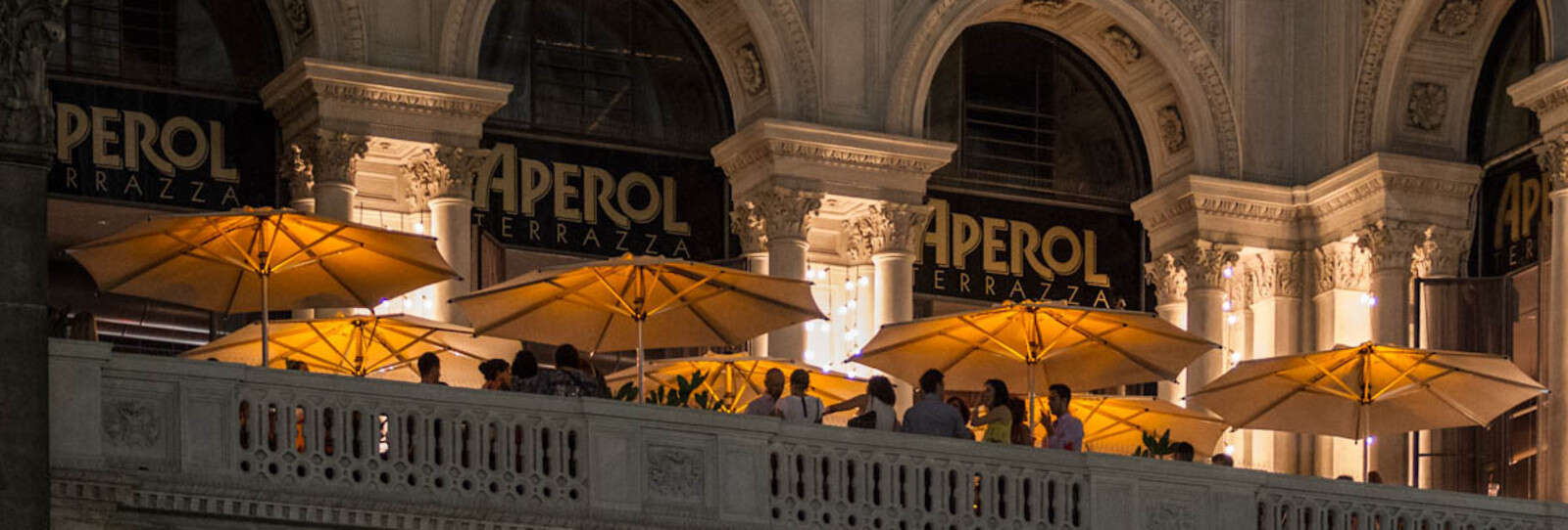 Terrazza Aperol: looking out at the Duomo di Milano | Autogrill