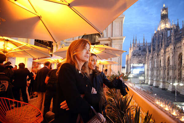 Terrazza Aperol Looking Out At The Duomo Di Milano Autogrill
